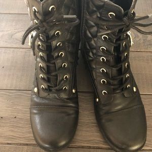 Guess women's size 7.5 boots. New!